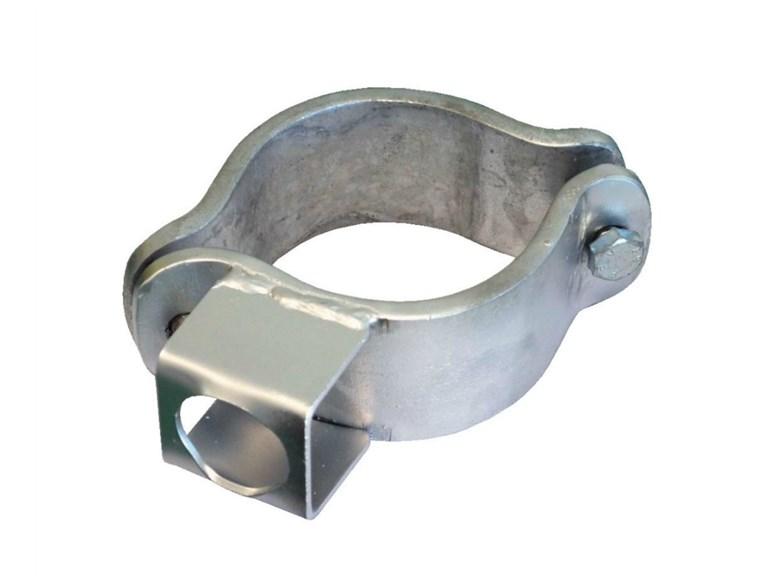 Schelle für Riegel:   Stabile Schelle zum Anschrauben an Säulen Ø102 mit Riegel-Halter. Besonders