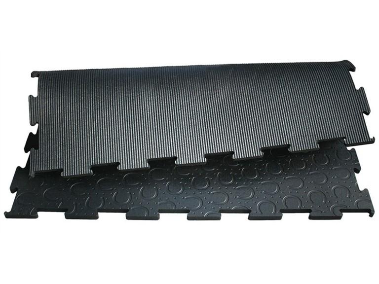 BELMONDO Classic:   verstärkte Oberfläche für höhere Belastungen  für schwere und umtriebige Pfe