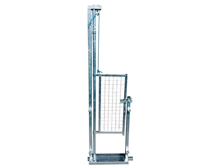 Zug- und Schwenktor:   für Behandlungstreibgang Durchgang: 0,50m B: 0,60m; H: 2,00m Einfaches Öf