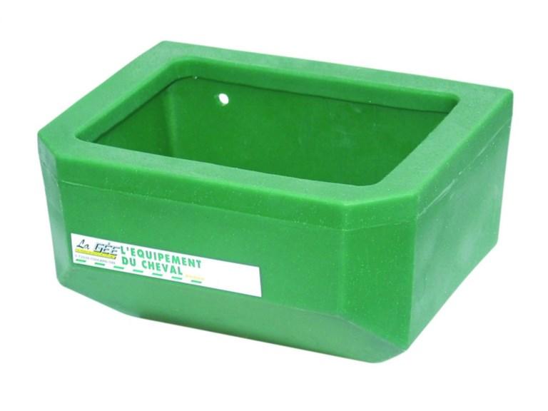 Fohlentrog:   Sehr stabiler Trog aus rotationsgeformtem Polyethylen.  Innenrand für weni