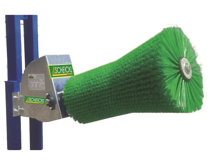 Elektrische Viehbürste Moo-Brush:   feststehend, nach oben schwenkend  robuster wartungsfreier Getriebemotor  T