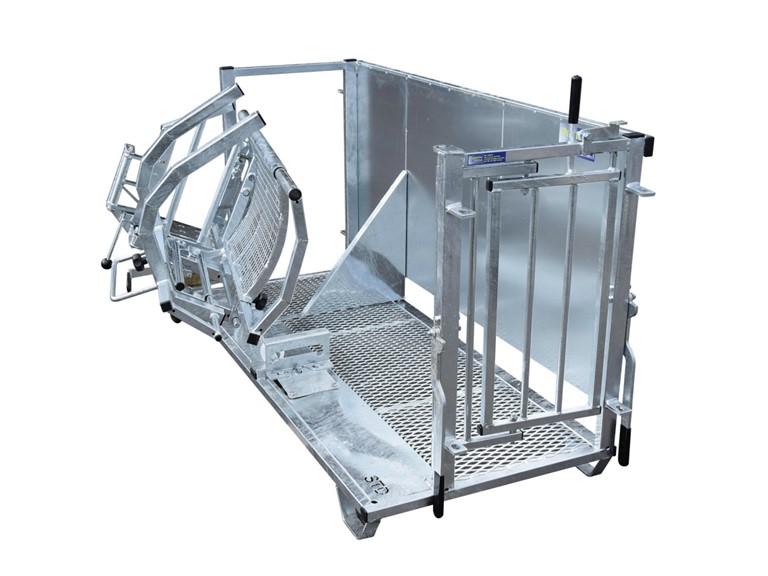 Behandlungs - Wendebox:   Stabiler Rahmen aus Stahlrohr 50 x 30mm Boden aus rutschfestem Streckgitter